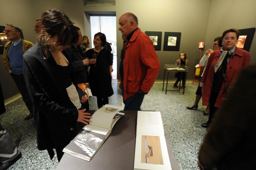 """visitatori durante la mostra """"Mattotti"""""""