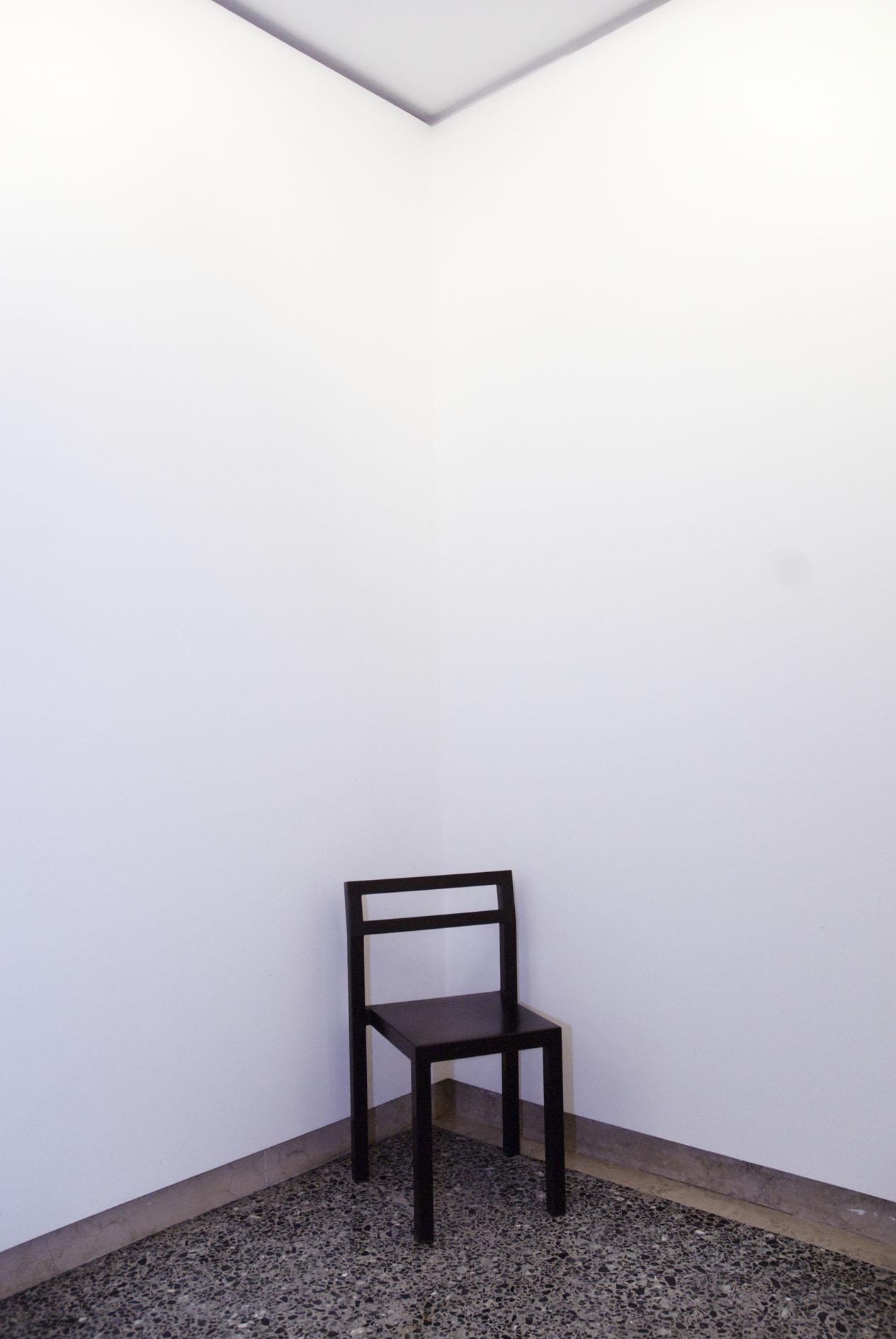 una sedia della Galleria