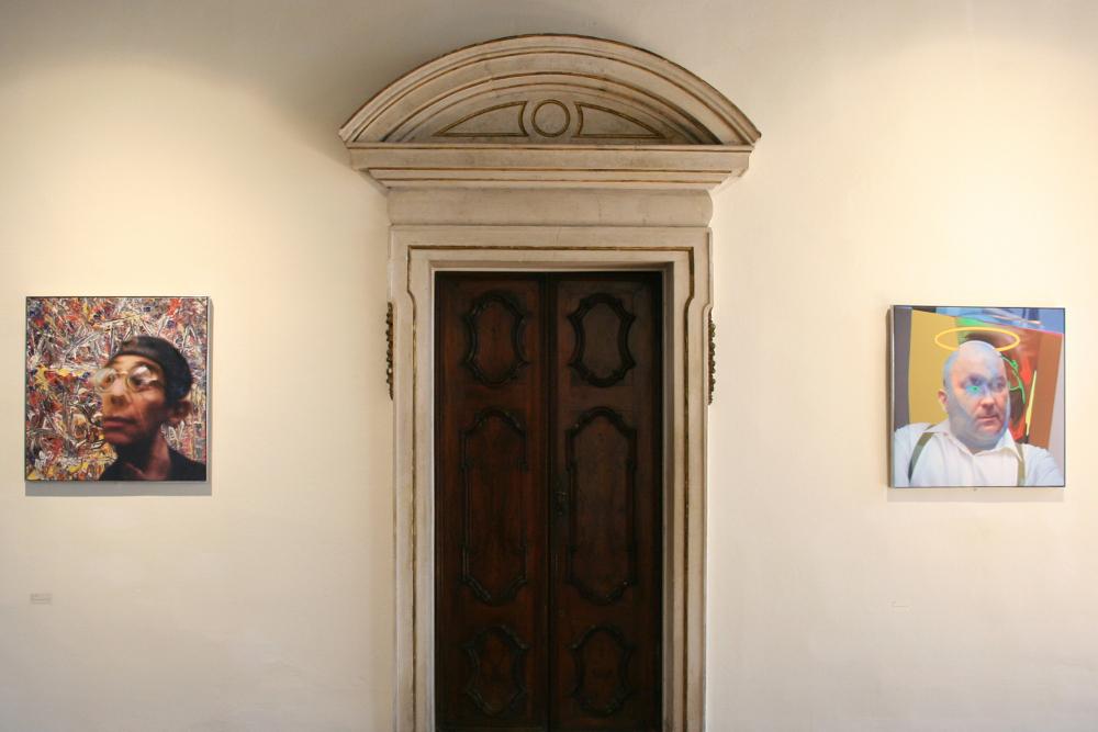 porta di legno di una delle sale di palazzetto tito