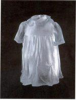 immagine di un vestito bianco da bambina