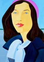 ritratto di una donna dagli occhi azzurri, capelli lunghi castani che indossa un basco rosa, una sciarpa azzurra e una giacca blu