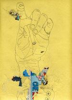 disegno di una mano con in mano una sigaretta e applicati ritagli di fumetti