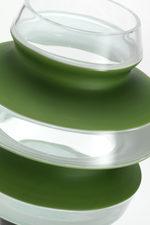 particolare della sommità del vaso verde
