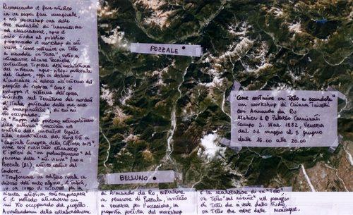 montagne viste dal satelite e biglietti scritti a mano