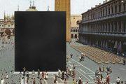 progetto di installazione di un cubo nero al centro di Piazza San Marco